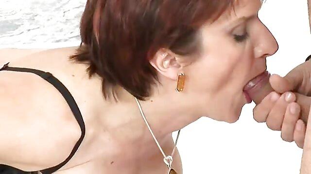 Slutty Danica Mori می شود در مقابل گی و سکس دوربین و لذت می برد دیک ضخیم