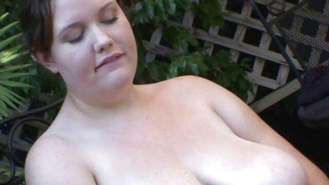 در فیلم سکسی گی خانه, رابطه جنسی دهانی در 69 موقعیت از یک زن و شوهر زیبا