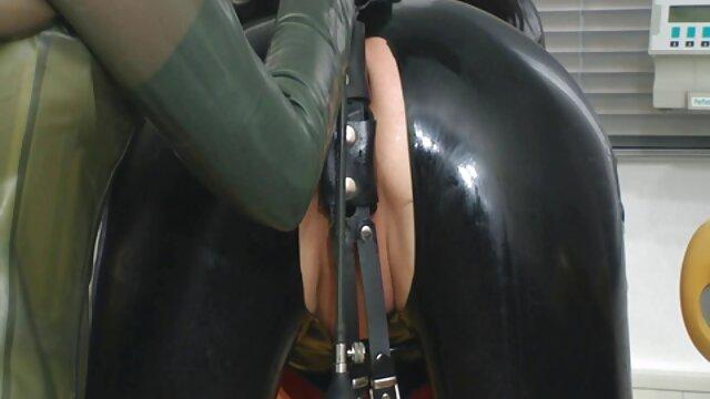 جوجه داغ برانگیخت تصاویر سکسی گی لاولیس به او ضربه بین نان
