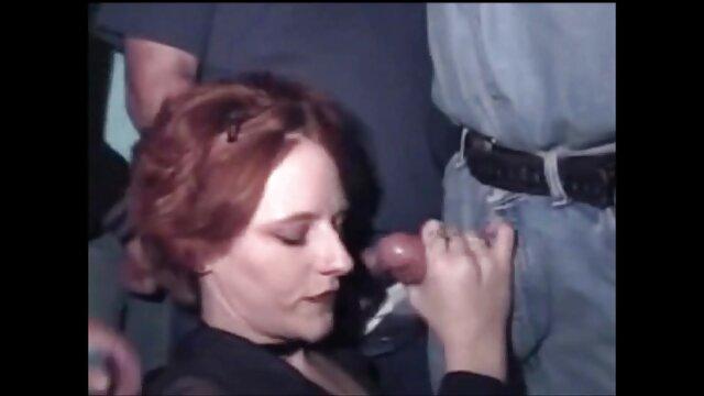 بابی پخش فیلم سکسی گی fucks در یک فاحشه زیبا