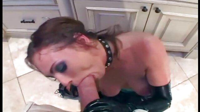 دو لزبین برای sexگی بوسیدن