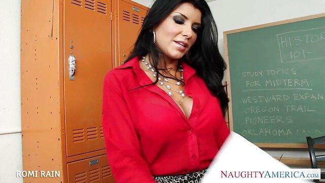 مربی تناسب اندام sexگی که درس می دهد