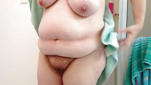 سابرینا, عکس سکسی گی روی تخت